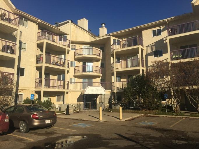 5065 31 Avenue - Condo in Millwoods - Insuite Laundry!