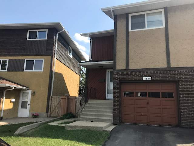 10650 158 Avenue - Duplex in Beaumaris
