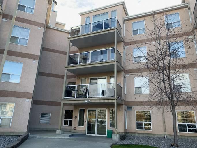 9704 174 Street - Condo in West Edmonton