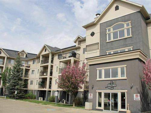 592 Hooke Road - Condo in NE Canon Ridge
