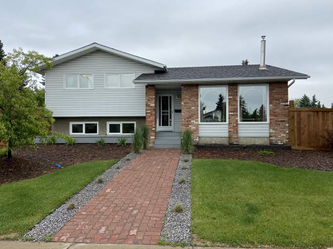 8608 42A Avenue - Home in Tweddle Place