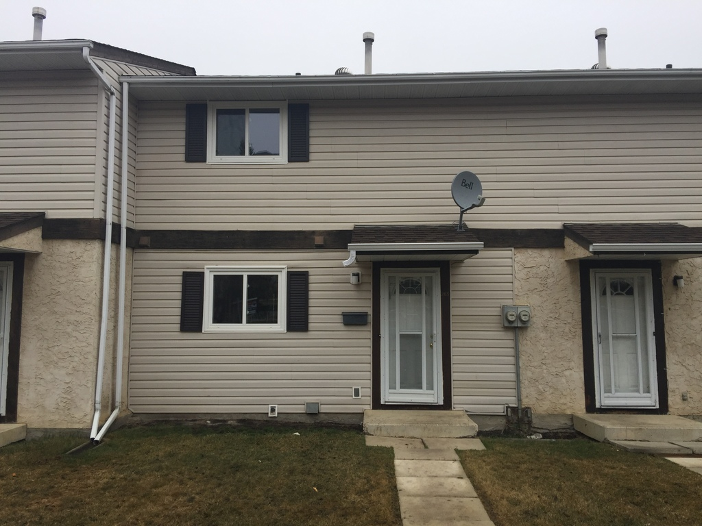 Spruce Grove Townhouse for rent, click for more details...