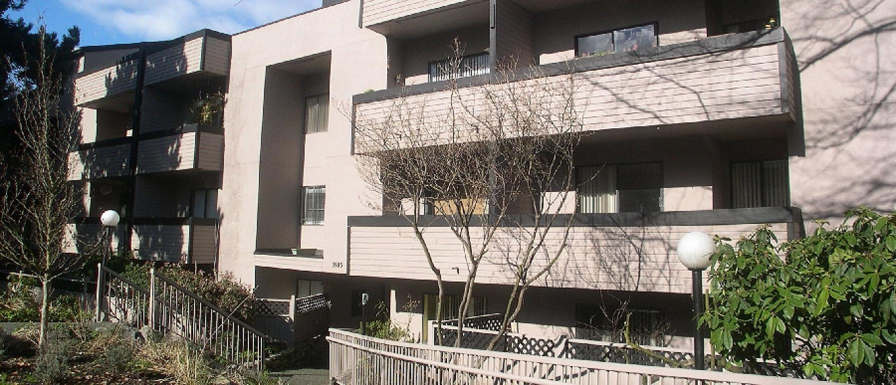 Yorkshire Rental Apartments, 2145 York Ave, Vancouver, B.C ...