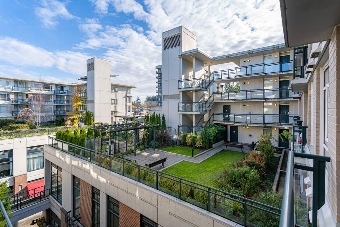 University MarketPlace Apartments