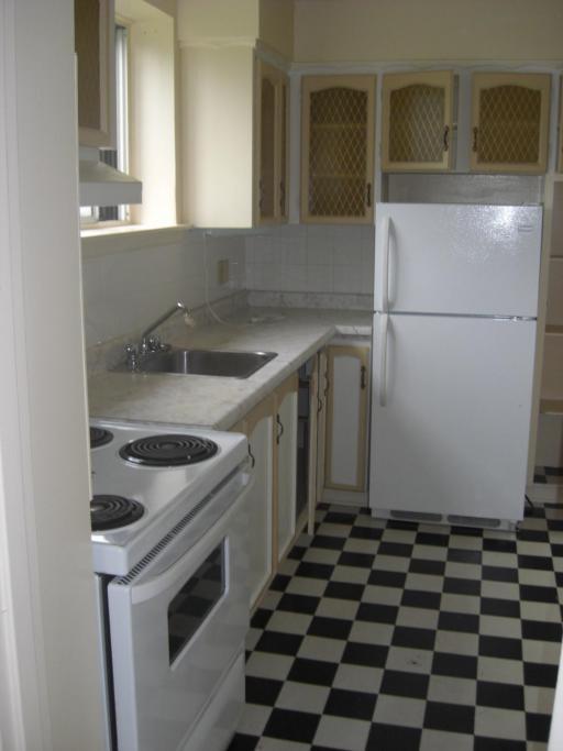 Bachelor Kitchen
