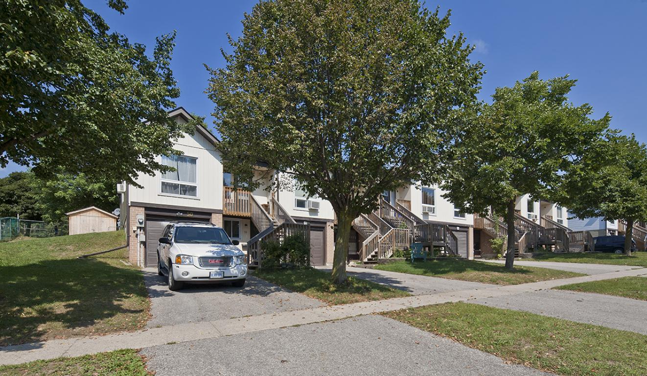 Barrie 3 bedroom Townhouse