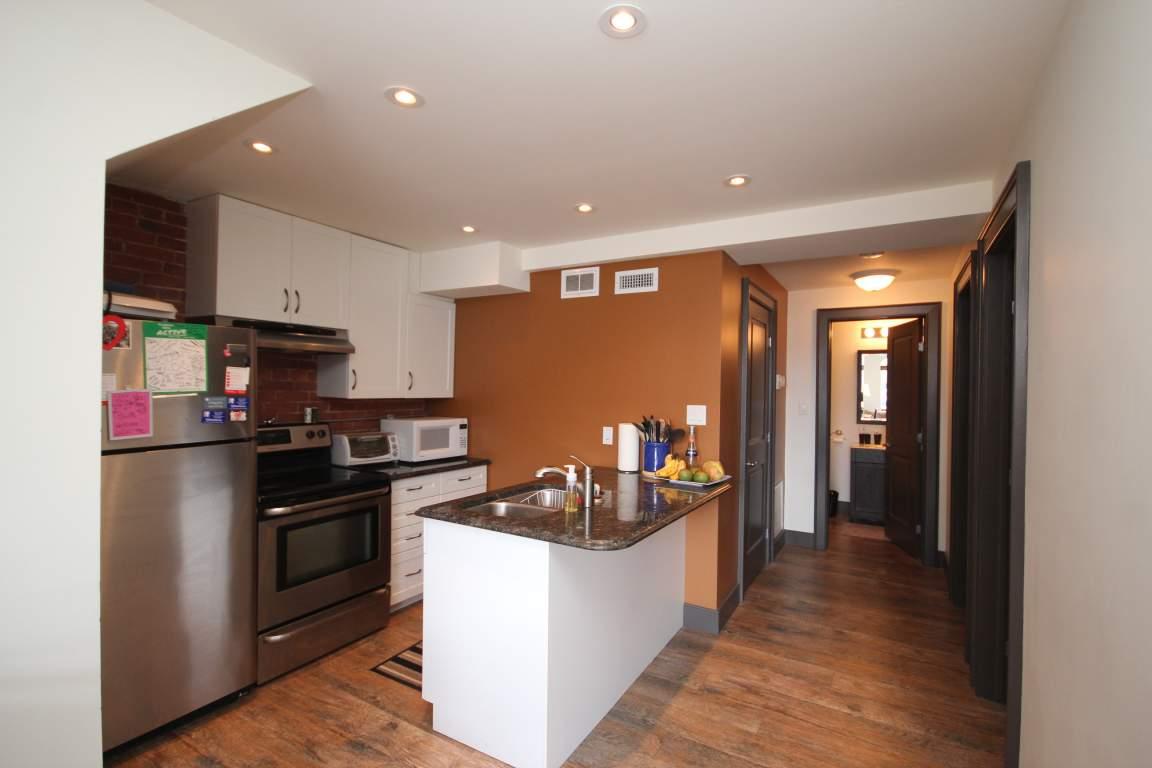 Kingston 2 chambre à coucher Appartement À louer