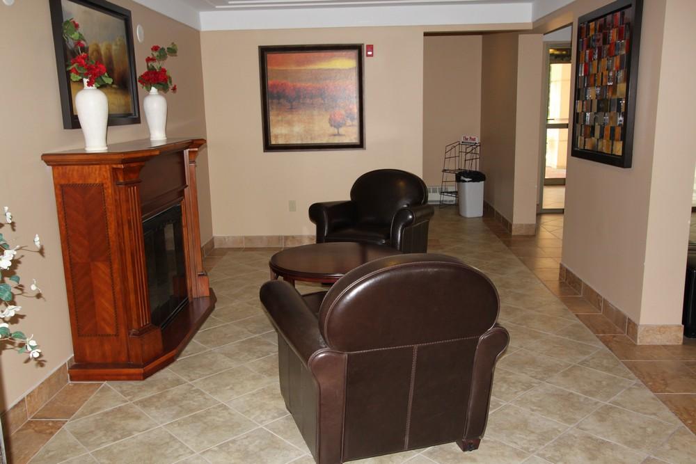 Apartments for Rent Burlington - 168 Plains Rd W - 4