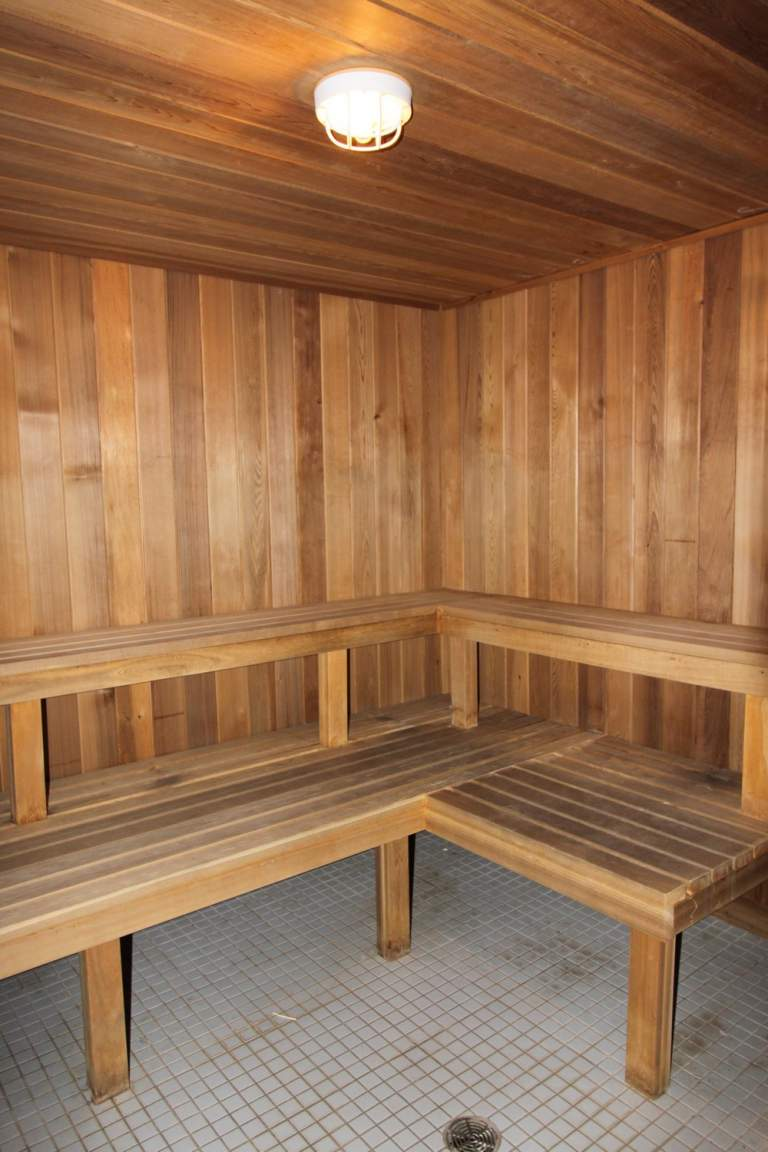 Apartments for Rent Burlington - 168 Plains Rd W - Sauna