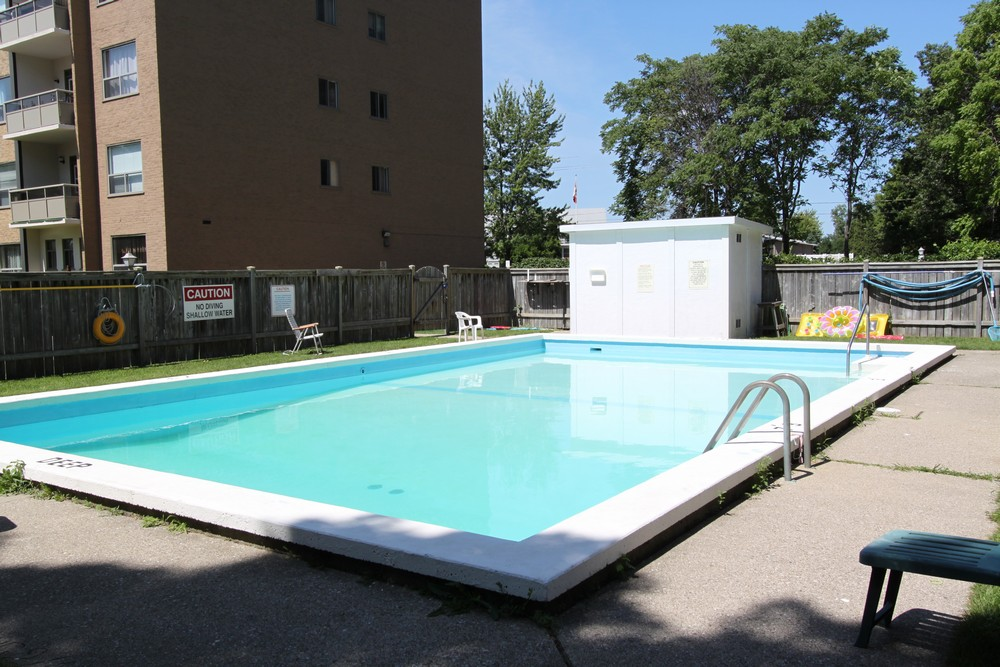 Royal Oak Towers - 501 Errol Rd W Sarnia Ontario - Seasonal Outdoor Pool