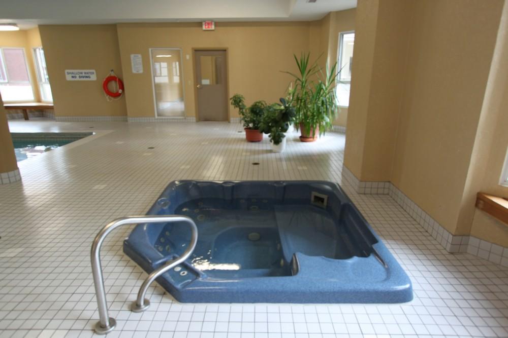 Apartments for Rent London - 310 Dundas St - Hot Tub