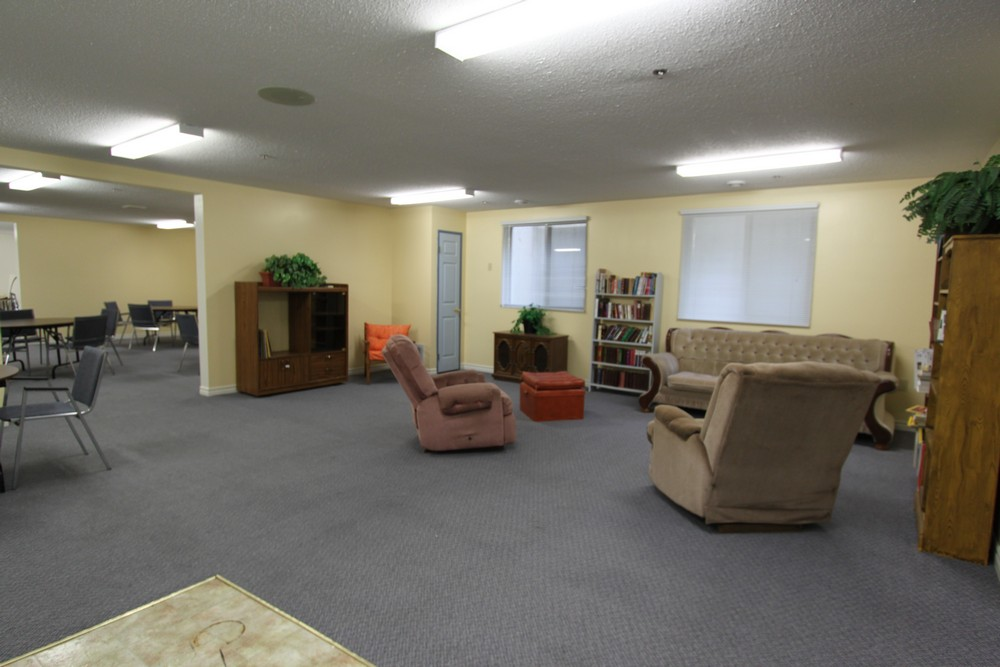 Rosecliffe Gardens I - 620 Springbank Dr London Ontario - Community Room