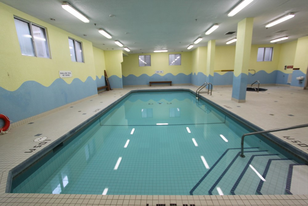 Rosecliffe Gardens I - 620 Springbank Dr London Ontario - Indoor Saltwater Pool