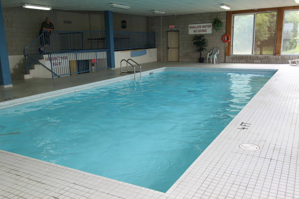 Apartments for Rent Sarnia - 1295 Sandy Ln - Indoor Saltwater Pool