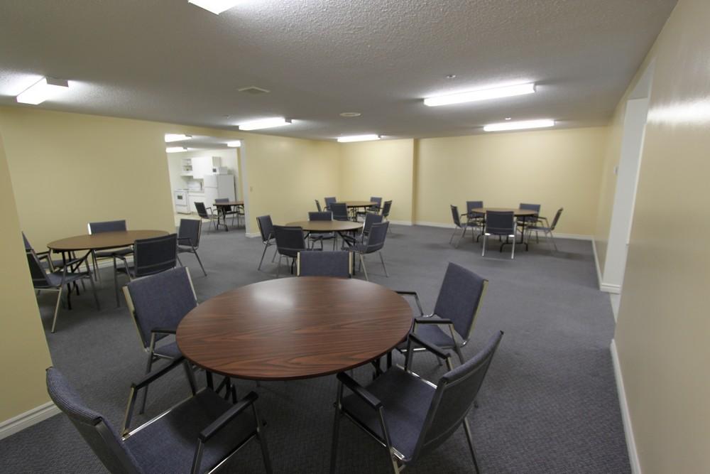 Rosecliffe Gardens II - 630 Springbank Rd London Ontario - Community Room