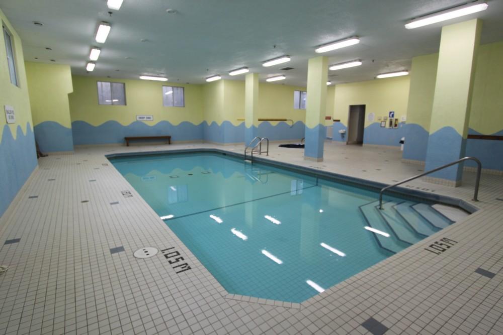 Rosecliffe Gardens II - 630 Springbank Rd London Ontario - Indoor Saltwater Pool