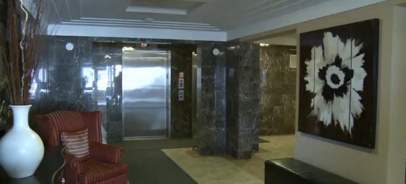 Apartments for Rent Burlington - 168 Plains Rd - Lobby