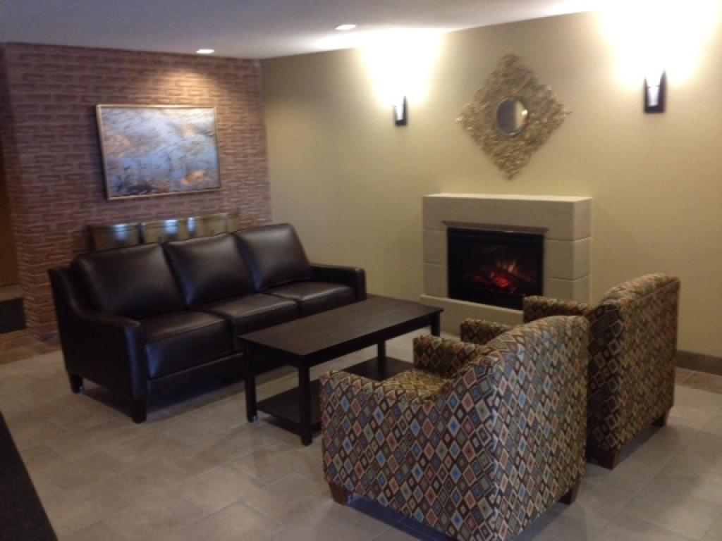 Apartments for Rent London - 720 Wonderland Rd. - Lobby
