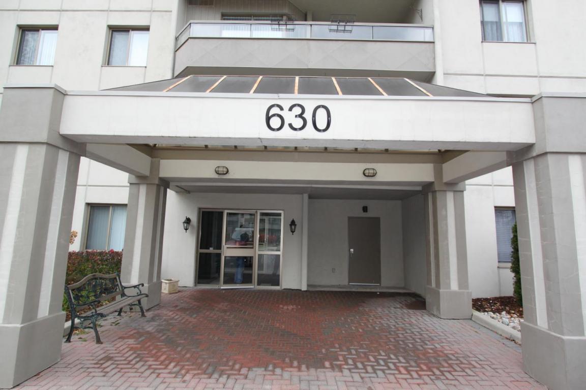 Rosecliffe Gardens II - 630 Springbank Rd London Ontario - Entry