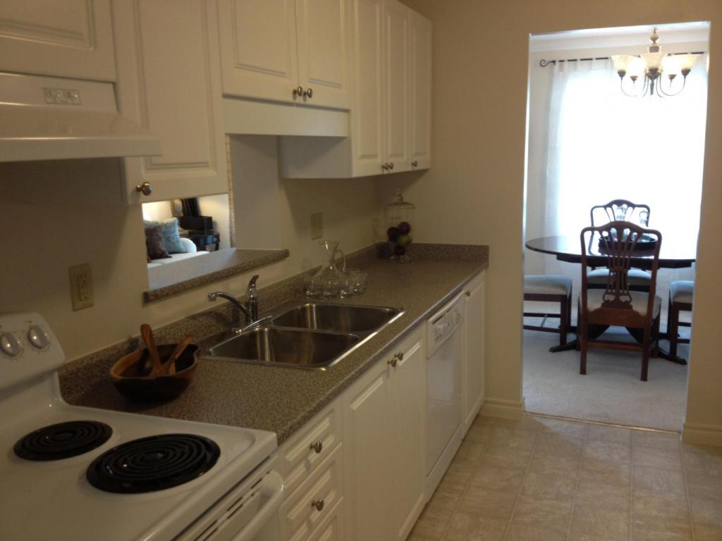 Apartments for Rent Kitchener - The Linden - Kitchen