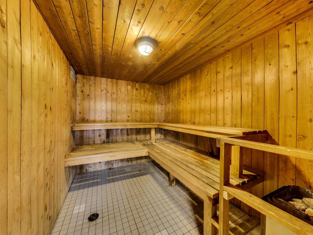 Apartments for Rent London - 310 Dundas St - Sauna