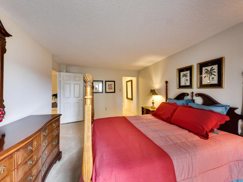 Apartments for Rent London - 310 Dundas St - Master Bedroom