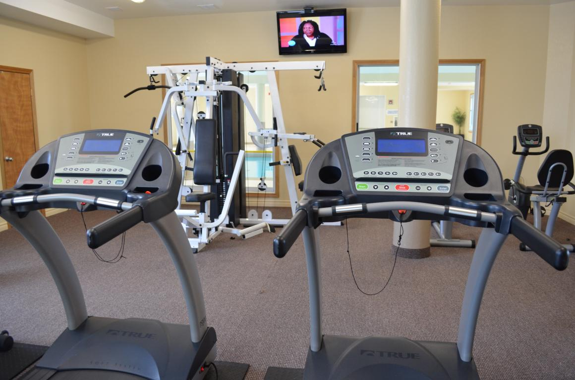 Fallowfield Towers - 161 Fallowfield Drive Kitchener Ontario - Fitness Room