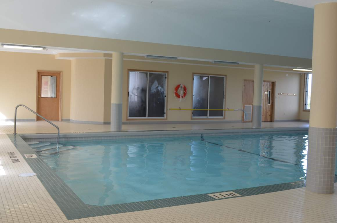 Fallowfield Towers IV - Indoor Saltwater Pool
