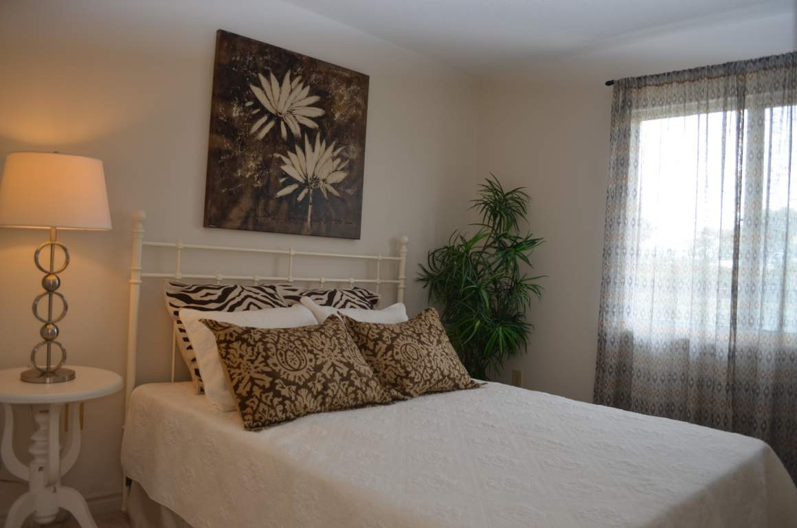 Windermere Place III - The Somerville - Den/Bedroom 4 - Apartments for Rent London - 675 Windermere Rd
