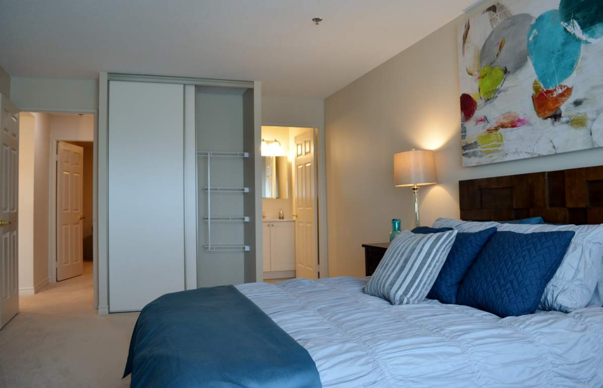 Blythwood Place - Apartment London - The Blenhiem - Master Bedroom