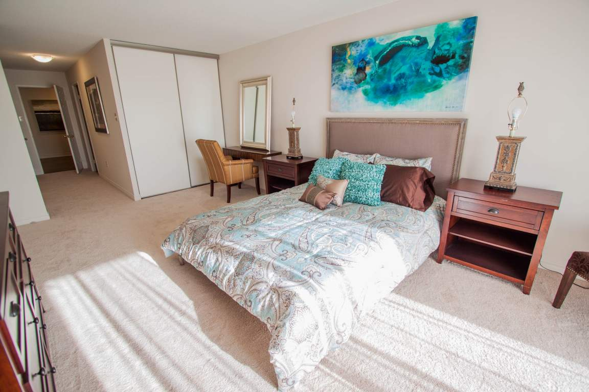 Windermere Place III - The Somerville - Apartments for Rent London - Bedroom