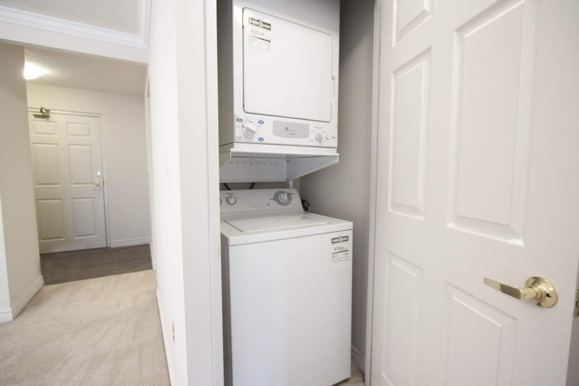 Capulet Towers I - 50 Capulet Lane London Ontario - In-Suite Laundry