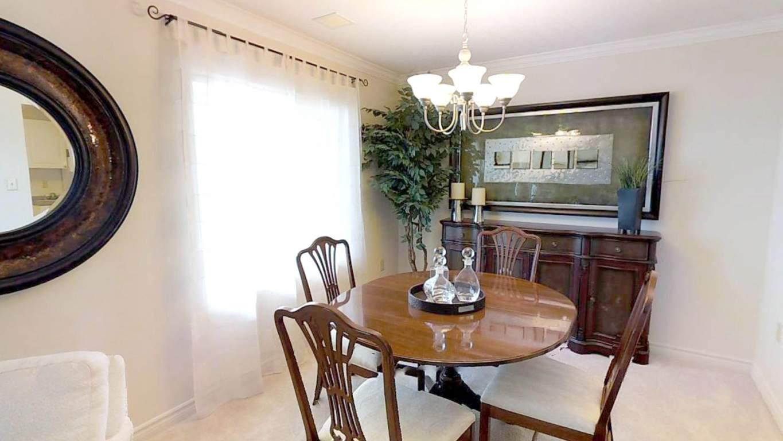 Fallowfield Towers III - 141 Fallowfield Drive Kitchener Ontario - Dining Room