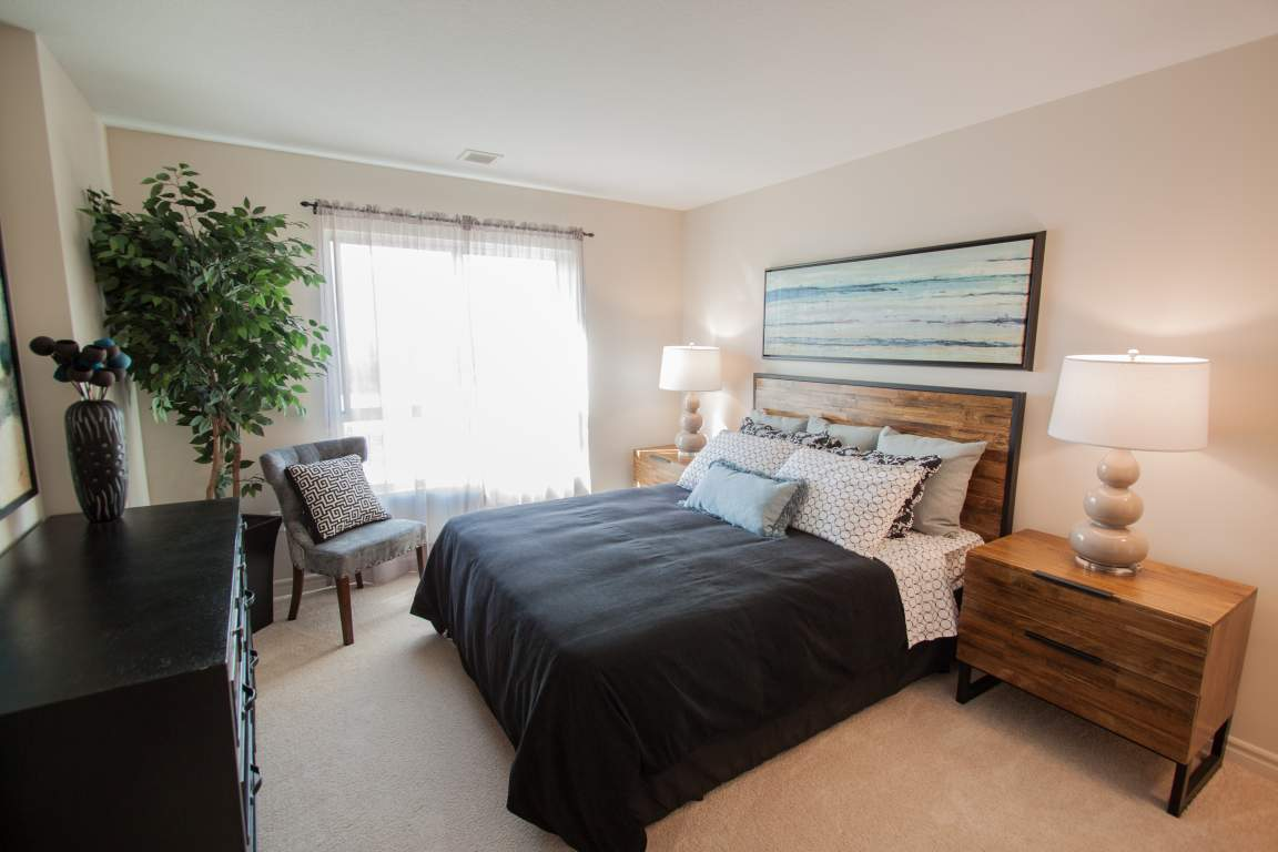 Downtown London Ontario Apartment - Bedroom