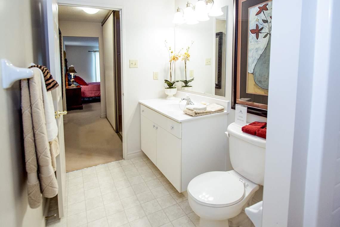 City Place - 310 Dundas St - Bathroom