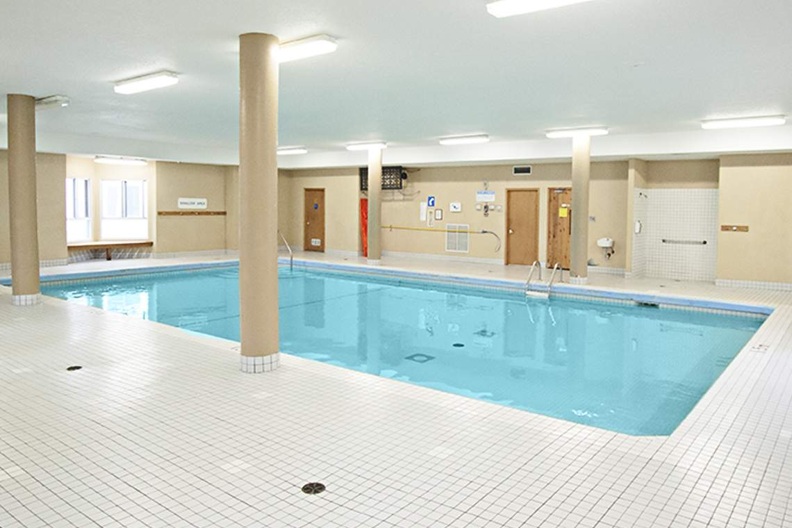 Downtown London Ontario Apartment - Indoor Pool