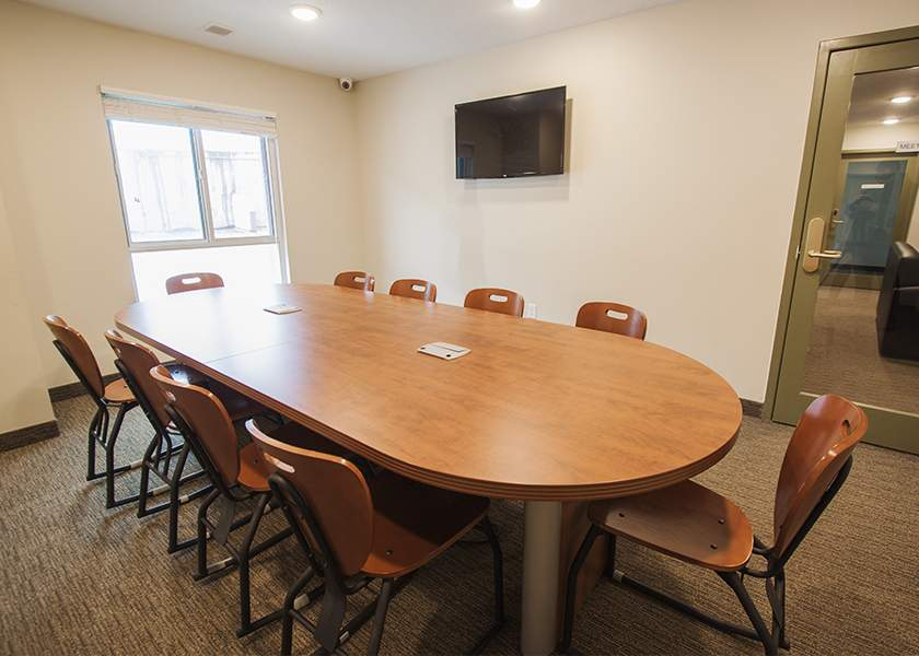 Collegeview Commons - 200 Old Carriage Drive Kitchener Ontario -Student Meeting Room