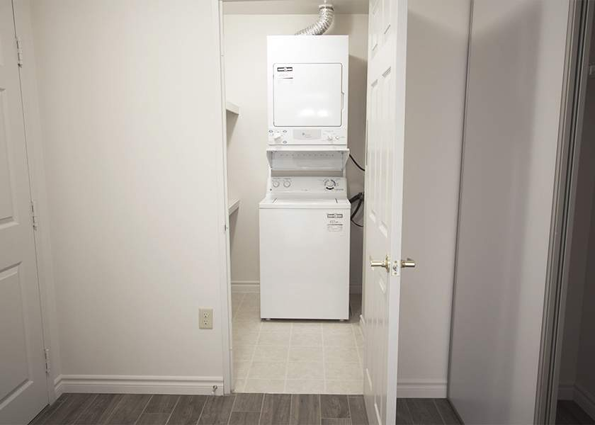 Capulet Towers II - 60 Capulet Ln London Ontario - Laundry