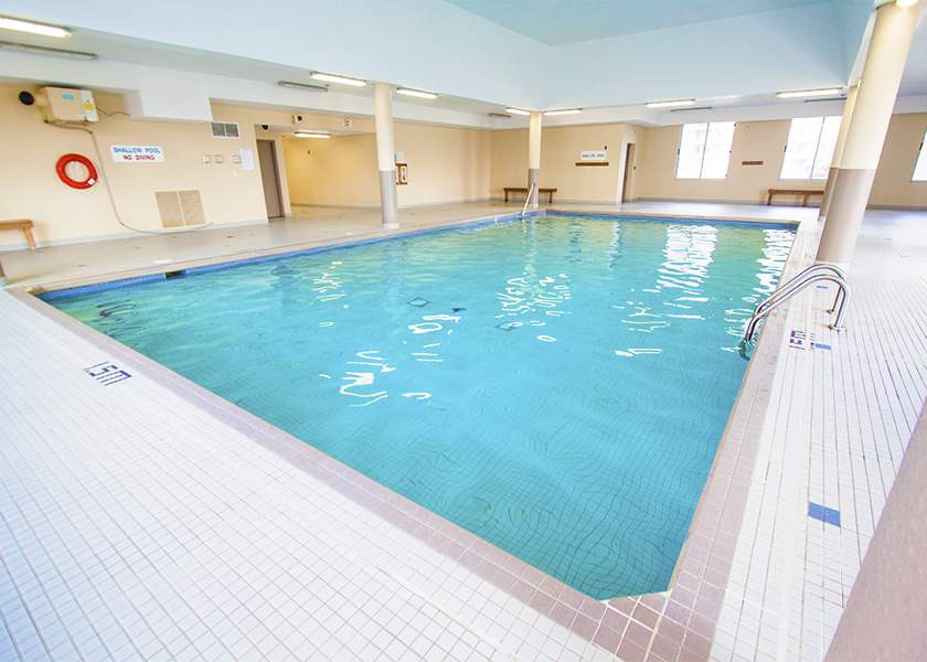 The Trillium at the Royal Gardens - 168 Plains Burlington - Indoor Pool