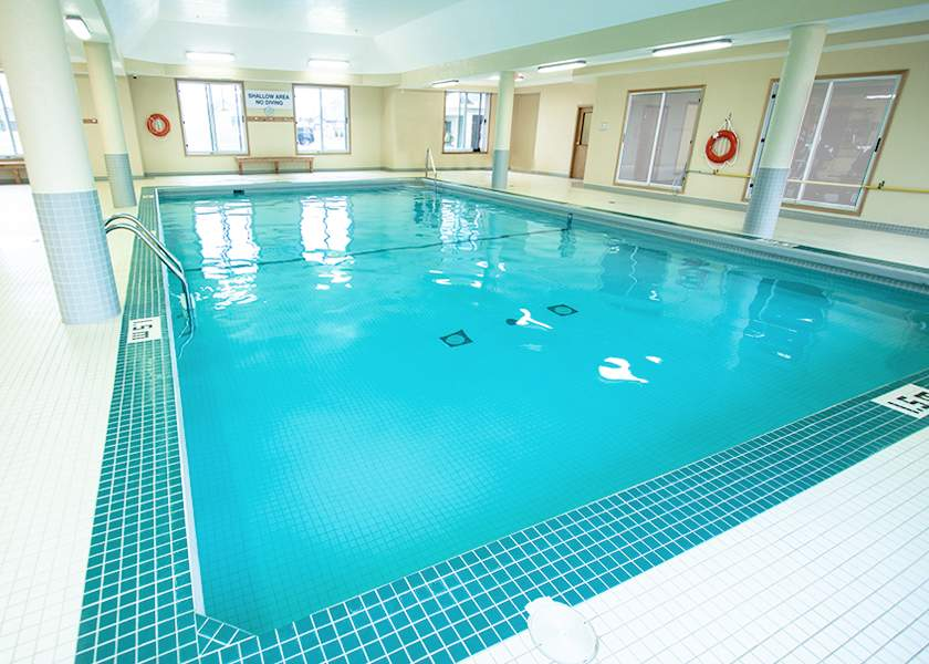 Fallowfield Towers III - 121 Fallowfield Drive Kitchener Ontario - Indoor Pool
