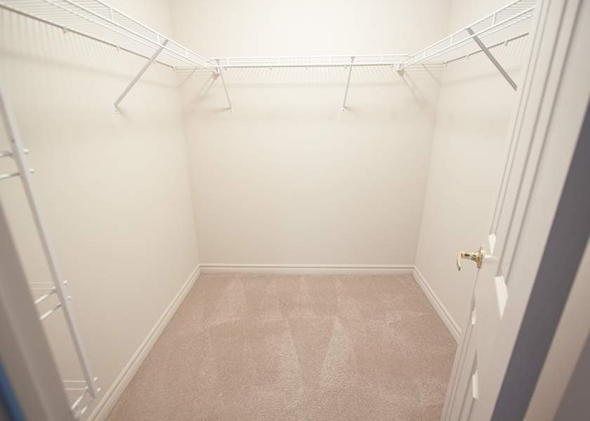 Fallowfield Towers - 161 Fallowfield Drive Kitchener Ontario - Closet