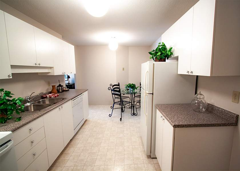 Wilson Place I - 425 Wilson Ave Kitchener Ontario - Kitchen
