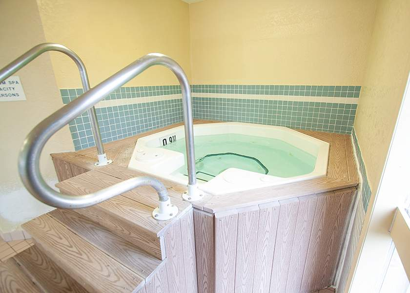 Wilson Place II - 435 Wilson Ave Kitchener Ontario -Hot Tub