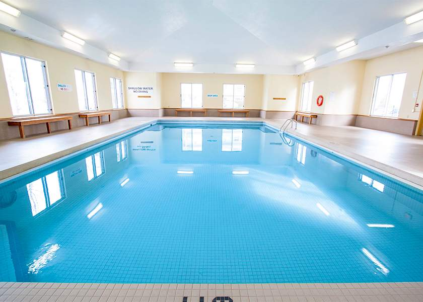 1440 Beaverbrook Ave London Ontario - Indoor Pool