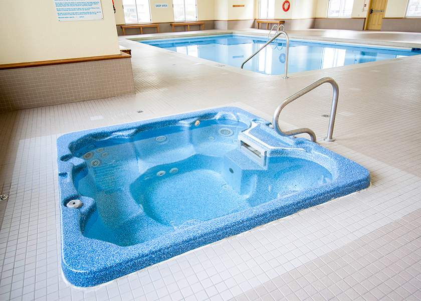 Beaverbrook Towers I - 1460 Beaverbrook Ave London Ontario - Hot Tub
