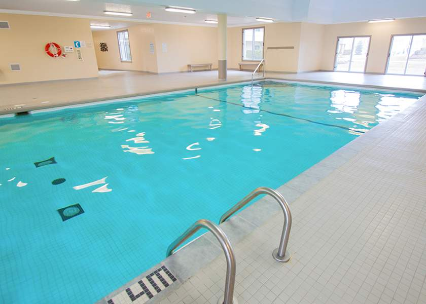 The Magnolia at the Royal Gardens - 140 Plains Rd Burlington Ontario - Indoor Pool