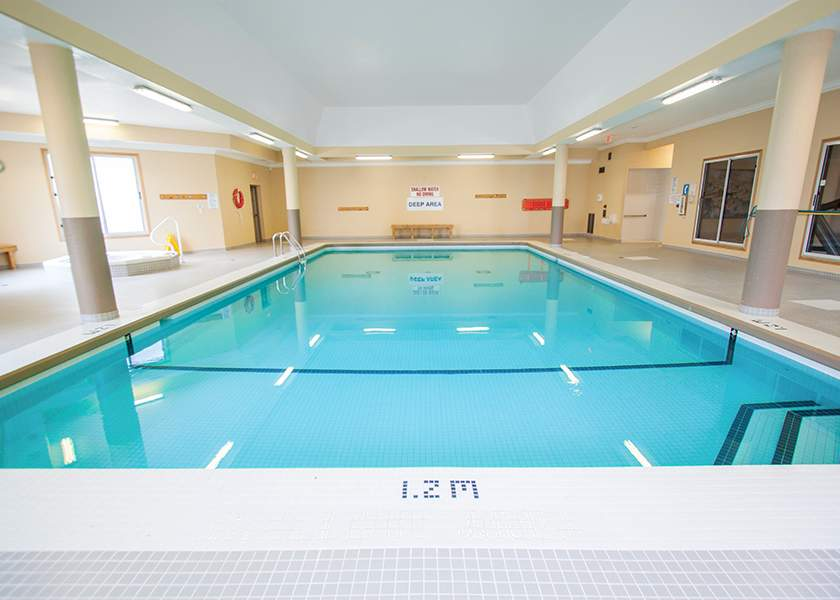 The Aster at the Royal Gardens - 130 Plains Road Burlington Ontario - Indoor Pool