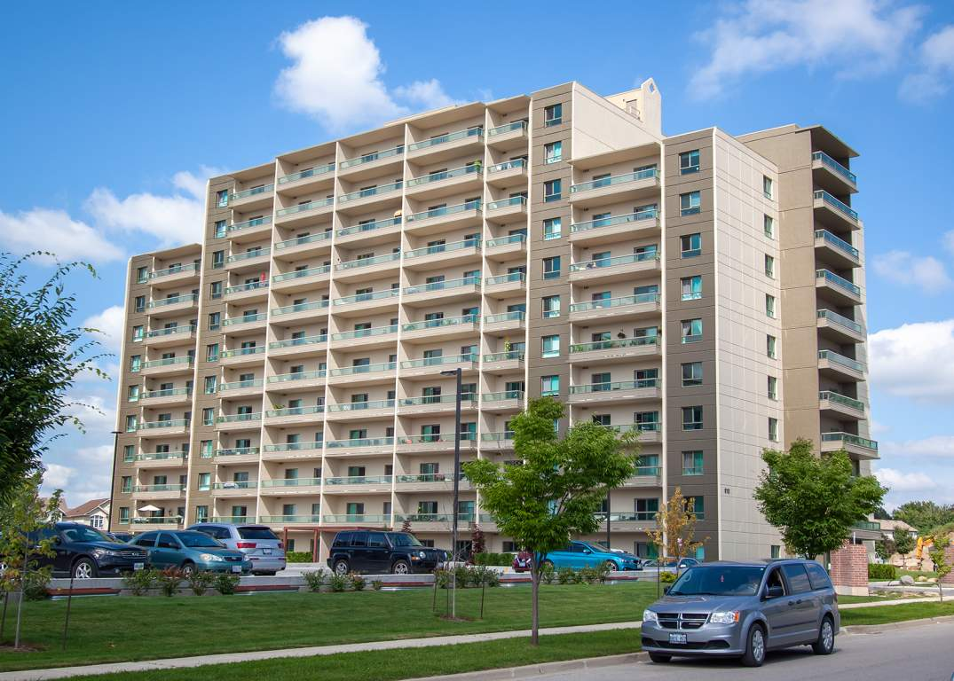 Blythwood Place - 810 Capulet Lane London Ontario - Upscale Apartment in West London
