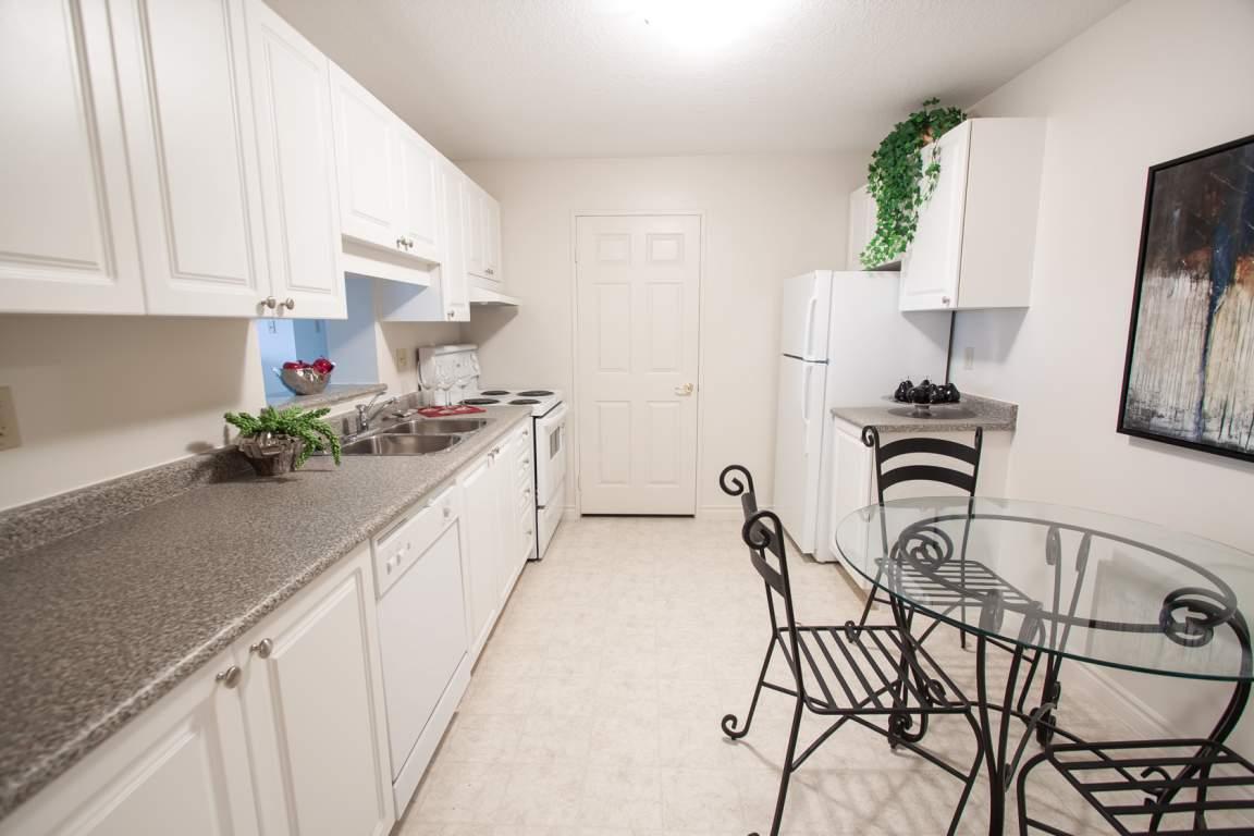 City Place - 310 Dundas - Kitchen
