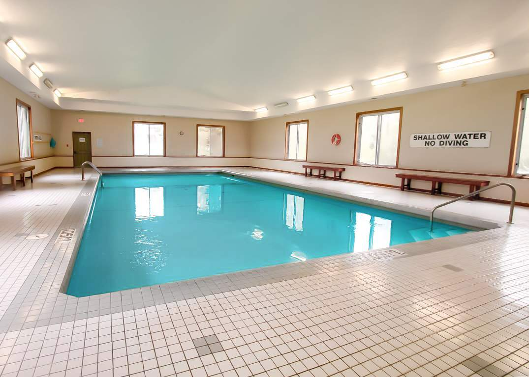 Lakeside Estates - 600 Chieftan St Woodstock Ontario - Indoor Saltwater Pool